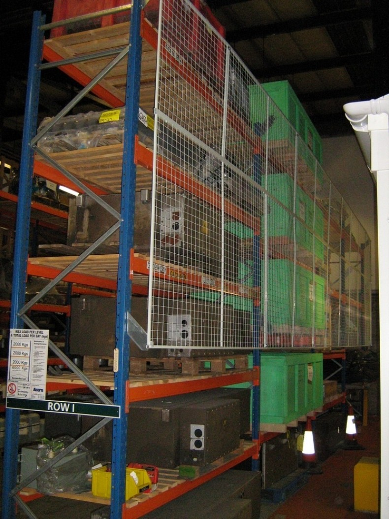 Anti-collapse Mesh for Warehouse Pallet Racking